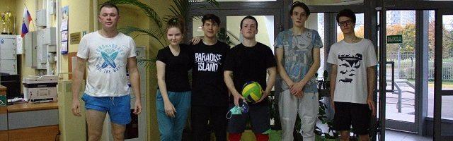 Команда молодежного движения храма Святой равноапостольной Нины в Черемушках приняла участие в ежегодном турнире по волейболу.